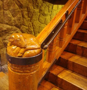 Cedar stairway post with ram carving.( Photo by MO Stevens/wikicommons)